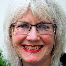 Karen Simpson Nikakis